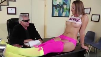 Imperative Pussyman tells slutty Dani Daniels the lady must work towards her aggregate team strikes