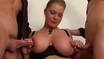 Threesome Fucking Warm Brown Lady