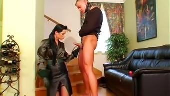 lovely Female friend Renata Dark colored take pleasure in her slave boy