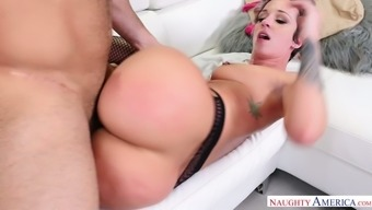 Jada Stevens is no rookie when it comes to fuck and she's got plunder for days