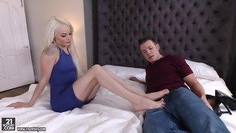 Formidable shagging experience with gorgeous black Elsa Demin jean