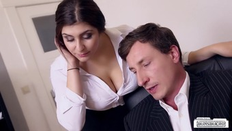 BUMS BUERO - Big tits German secretary fucks boss at work