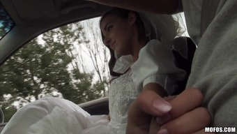 Pretty Soon to be bride Utilizing a Bald Pussy Taking pleasure in A Great Christian missionary Trend Fuck Inside a Auto