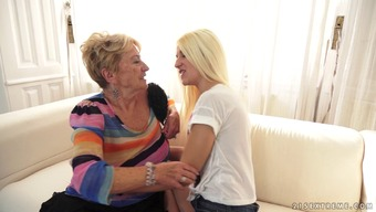 Teen babe tosses a grandmas salad and also makes her ejaculate