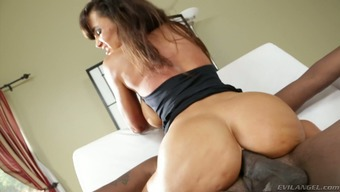 Desirable blond mothers Lisa Ann as fucked using a dark black stud