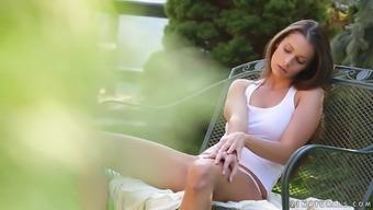 Lovely blonde missy Lia Taylor masturbates outdoor