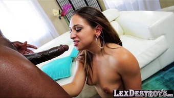 Hirsuite pussy and brunette Sara Luvv gets destroyed by Lex