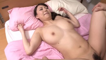 Japanese mom by using extraordinary large natural tits fucked