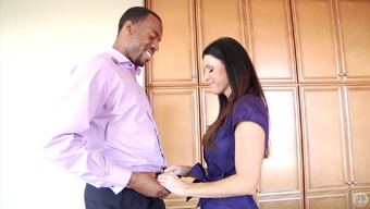 Bombay Summertime blows a utmost big raise intense in interracial worth market