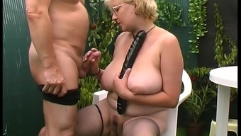 Dutch granny accesses the gardens in an effort to get definitely naughty truth be told there
