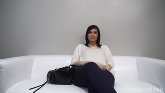 Czech tramp Renata pieces on camcorder and drains great cock