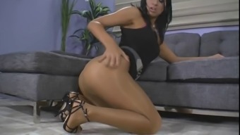 Shiny pantyhose