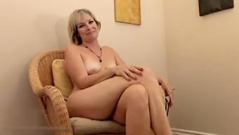 Realy horny grow older Stefanie from 1fuckdatecom