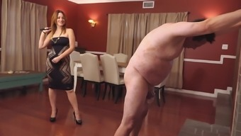 Challenging singletail whipping by mistress Jennifer