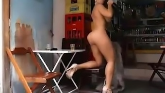 Brazilian Major Stupid ass - Renata Frisson Mulher Melão