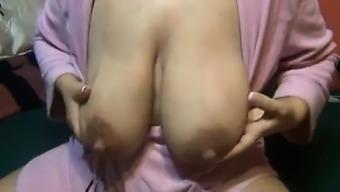 Breast feeding mom huge nipples Vivan from onmilfcom