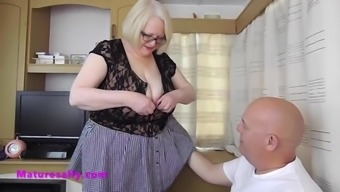 Granny in stockings excites her man