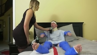 Immobilized cuckold hubby has to stream wifey Blair Williams fucking by using physician