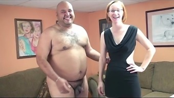 MILF Layla Gives A Excess weight One by using a Smallish Cock The Best Fucking In which darryl Ever Had
