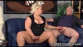 Bad fats Big beautiful woman woman adores sexual intercourse
