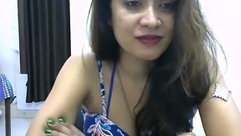 My Indian Desi Girlfriend Exposed Her Valuable Asset On Skyp