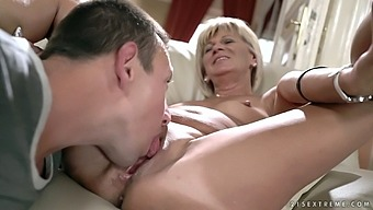 Amazingly horny mature divorced housewife Diane Sheperd wanna be fucked