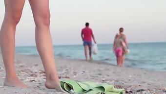 Lola nude at community seashore