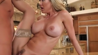 Big tits Milf Receives a Special Associate Just To Fuck Her - Brazzers