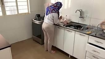 Hot Arab wife