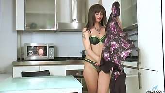 Small tits and ass mature Lisa Xxx loves playing in the kitchen