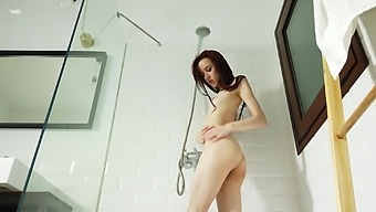 Hot shower sesh leads to some passionate pussy rubbing fun