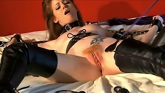 Kinky fucking on the bed with sexy wife Nikki Coxxx who loves bondage