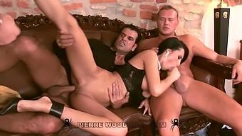 Mela - Xxxx - Bourgeoise Loving Sex With Three Men