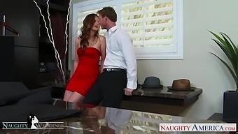 Slutty wedding planner Jillian Janson gets intimate with groom