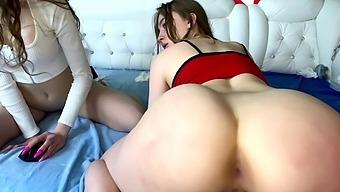 Lesbian 69 and scissoring