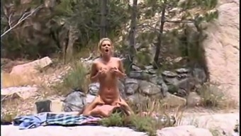 Black bimbo Alexis Malone has her pussy drilled open air