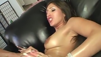 Sizzling cougar Alexis Pleasing experience gives head a cock before being nailed cowgirl style