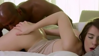 Natural Brunette Youngster, Joseline Kelly, is undoubtedly an Anal Machine for Great Dark colored Prick