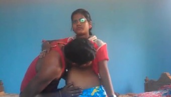 Teenager INDIAN Couples Savours Steaming sex