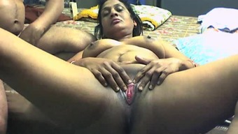 Newbie site with the use of Indian BBW lover getting container among the pussy