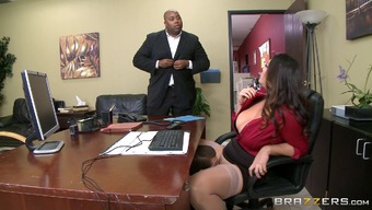Stout MILF in pantyhose gets licked and fucked practical